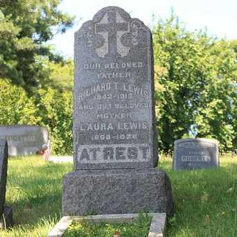 Photo of Baron Hirsch Cemetery in Graniteville, New York