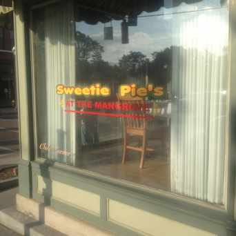 Photo of Sweetie Pies At the Mangrove, Manchester Avenue, St. Louis, MO in Forest Park Southeast, St. Louis