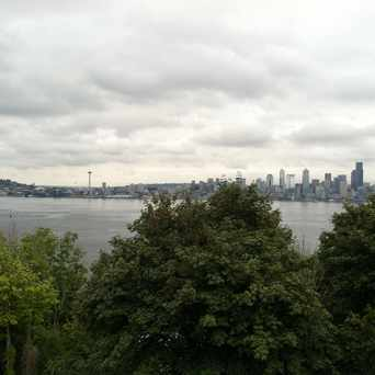 Photo of Hamilton Viewpoint Park in North Admiral, Seattle