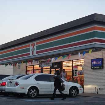 Photo of 7-Eleven in Mid-Town North Hollywood, Los Angeles