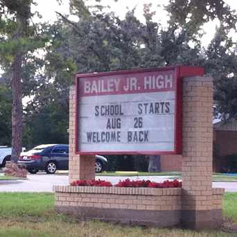 Photo of Bailey Junior High School in Arlington