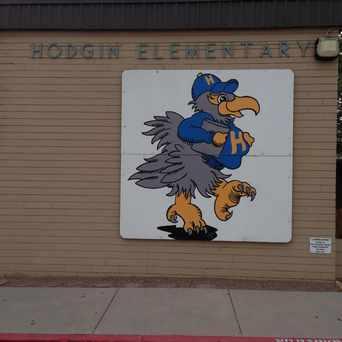 Photo of Hodgin Elementary School in Hodgin, Albuquerque