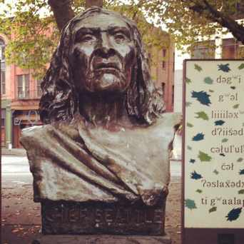 Photo of Chief Seattle in Pioneer Square, Seattle