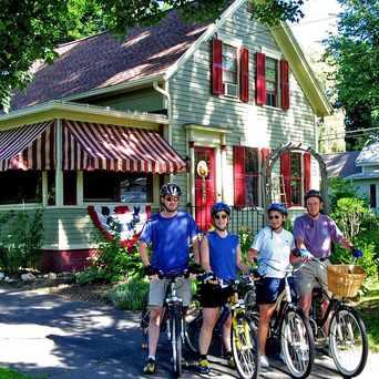 Photo of Sugar Maple Trailside Inn in Northampton