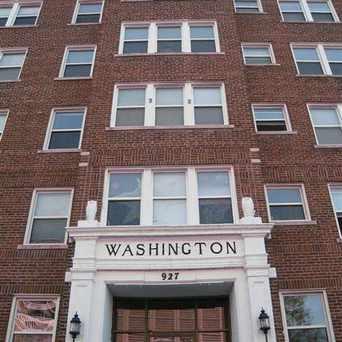 Photo of 927 S Washington Ave in Lansing