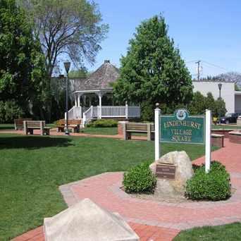 Photo of Lindenhurst, NY Village Square in Lindenhurst