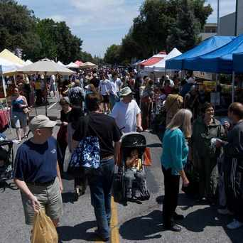 Photo of California Avenue Farmers Market in Palo Alto
