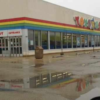 "Photo of Toys""R""Us in Melrose Park"