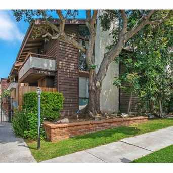 Photo of 11743 Darlington Ave in Brentwood, Los Angeles