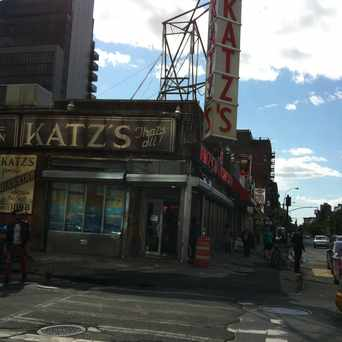 Photo of Katz's Delicatessen in Lower East Side, New York