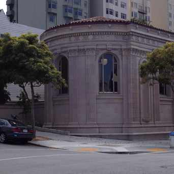 Photo of Golden Gate Valley Library in Pacific Heights, San Francisco