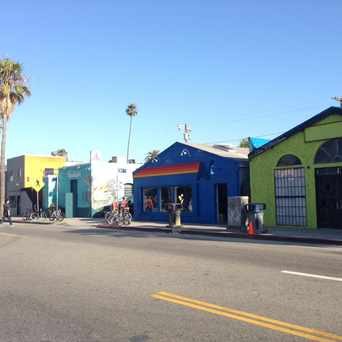 Photo of Abbot Kinney in Venice, Los Angeles