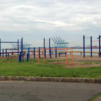 Photo of Exercise Bars Veterans Park in Bayonne