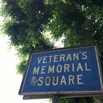 Photo of Veterans Memorial Square in Highland Park, Los Angeles