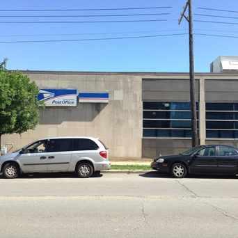 Photo of Elmwood Park Post Office in Elmwood Park
