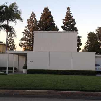 Photo of Post-Modern House in Los Cerritos, Long Beach