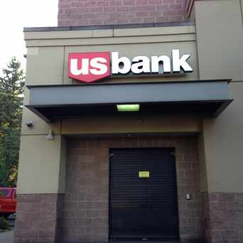 Photo of U.S. Bank - 122nd Ave Safeway Office in Powellhurst-Gilbert, Portland