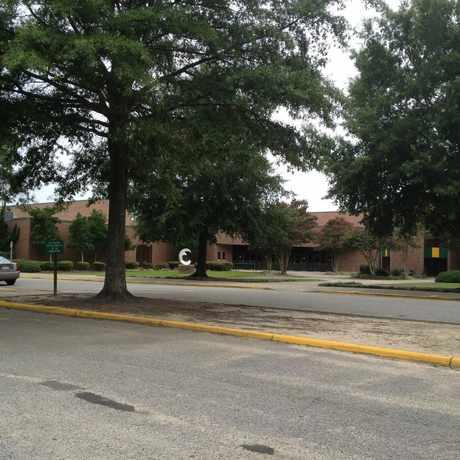 Photo of Frank W. Cox High School in Virginia Beach