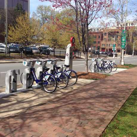 Photo of B-cycle: 6th & Pine in Charlotte