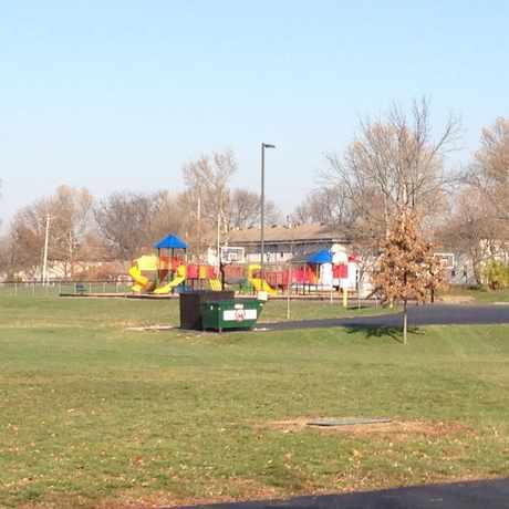 Photo of Beverly Gardens Elementary School in Dayton