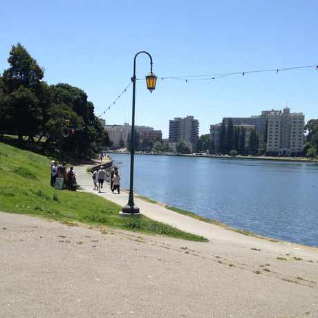 Photo of Lake Merritt Lakeshore in Oakland