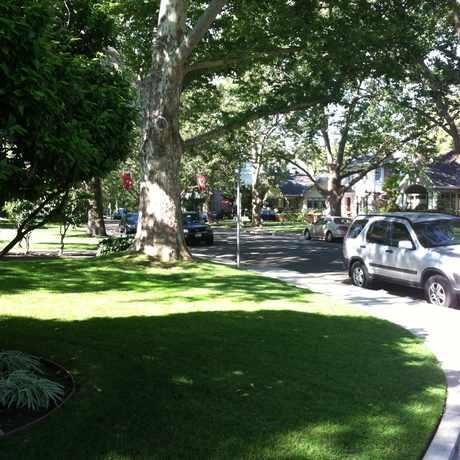 Photo of J ST & 40TH ST (WB) in East Sacramento, Sacramento