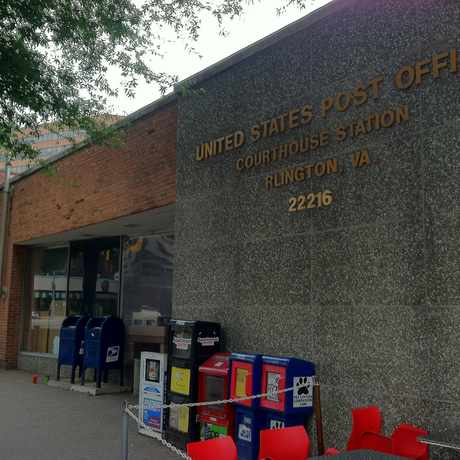 Photo of United States Post Office in Colonial Village, Arlington