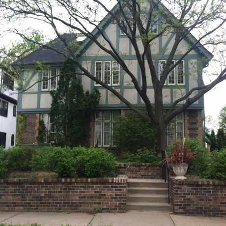 Photo of Little House in East Calhoun, Minneapolis
