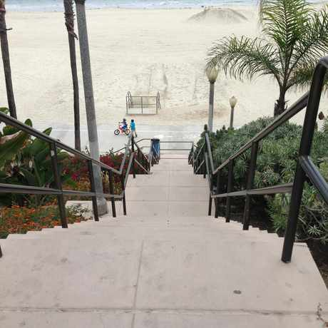 Photo of 9th Place Beach Entrance in Long Beach