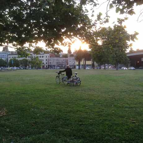 Photo of MacArthur Blvd:Lakeshore Av in Cleveland Heights, Oakland