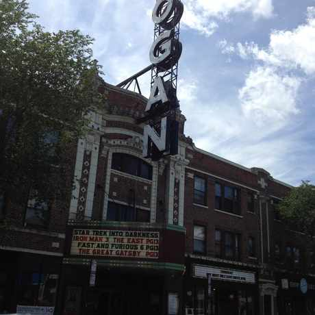 Photo of The Logan Theatre in Logan Square, Chicago