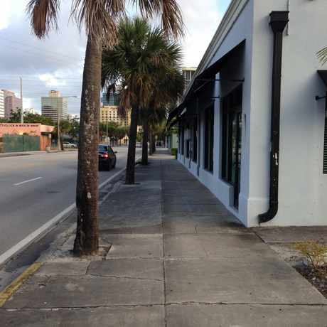 Photo of Sidewalk in Flagler Heights, Fort Lauderdale