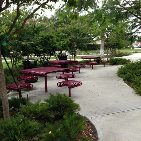 Photo of Picnic Area in Flagler Heights, Fort Lauderdale