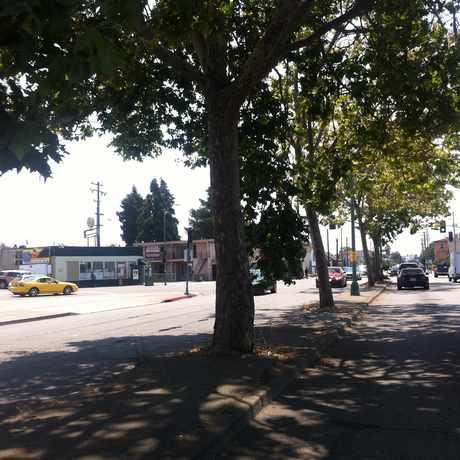 Photo of Market St:Arlington Av in Santa Fe, Oakland